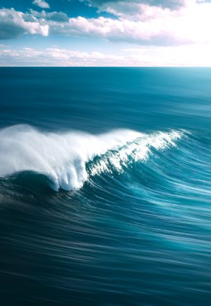 Blue ocean waves flowing gently