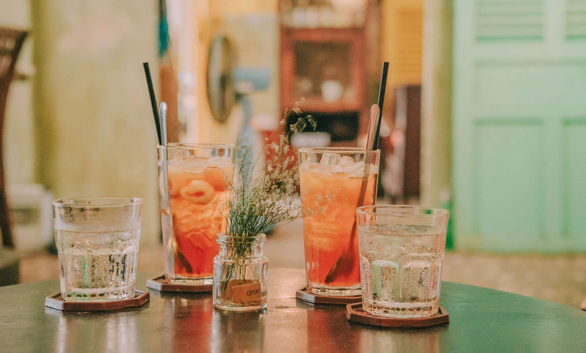 Best Classic Drinks to Order at a Bar