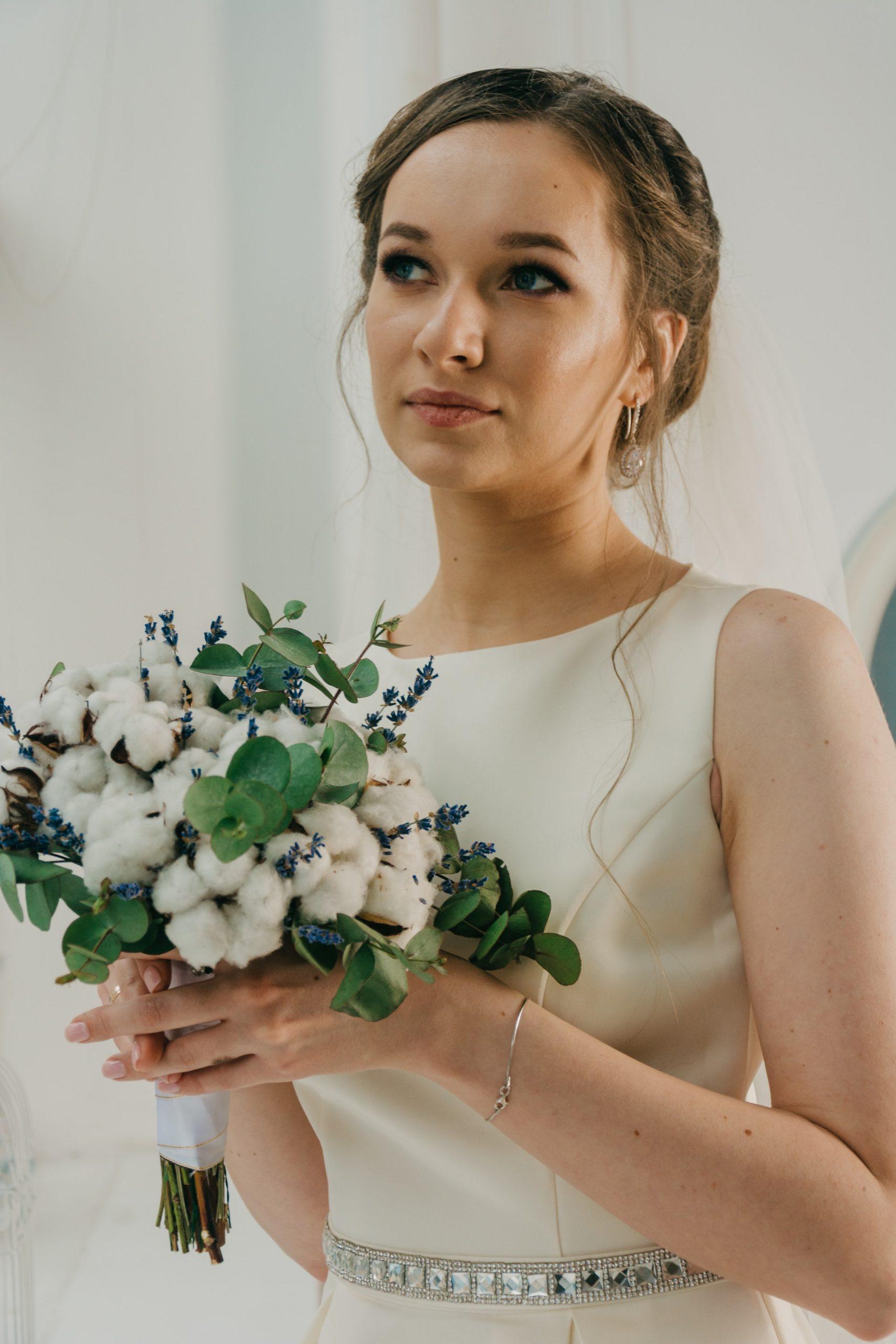 Flattering Wedding Dresses for Skinny Brides